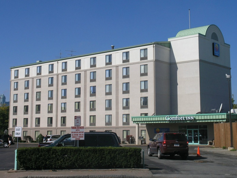 "Comfort Inn ""The Pointe"""