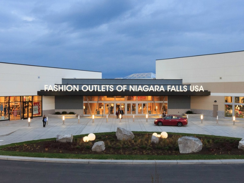 Fashion outlets niagara falls hours 83
