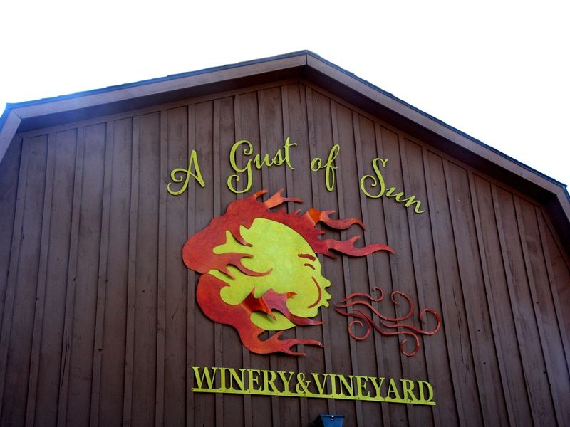 A Gust of Sun Winery & Vineyard - Spencerport